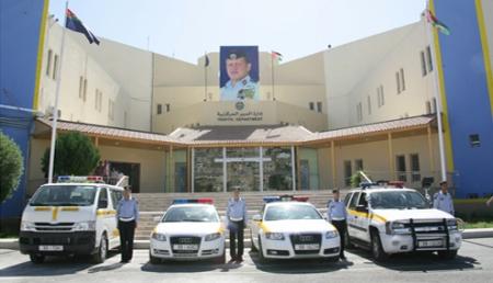 """رسالة من وزير سابق لأمانة عمان وإدارة السير: """" 5 """" ثواني فقط"""