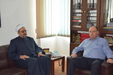 وزير الأوقاف  يزور جامعة إربد الأهلية.
