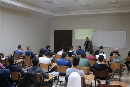 """""""الشرق الأوسط"""" تنظم محاضرة حول فرص التدريب والتوظيف في قطاع المعلومات"""