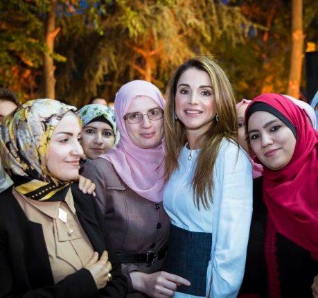 الملكة رانيا العبدالله : إلى من تنشر السعادة أينما ذهبت.. كل عام وأنتِ بكل خير