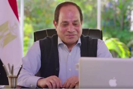 بالفيديو … السيسي يكشف عن سر الخاتم ..وهذه ردة فعله عندما سمع رأي الشعب المصري بشخصه