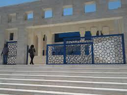 الزرقاء : صاحب اسباقيات ينشل حقيبة محامية في المحكمة