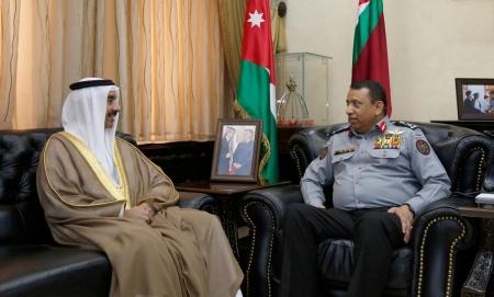 """الحواتمة يبحث مع السفير البحريني علاقات التعاون بين """"الدرك"""" ونظيرتها البحرينية"""