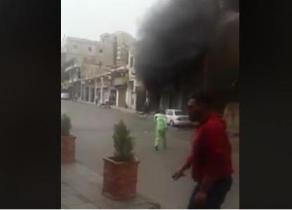 """شاهد بالفيديو .. """" عامل وطن """" يجازف بحياته لإنقاذ مركبة من حريق العبدلي في"""