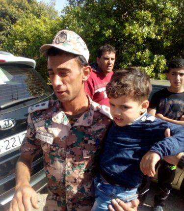 القوات المسلحة الاردنية تعثر على طفل مفقود في عجلون