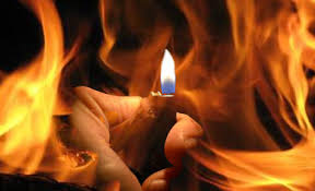 ثلاثيني يحاول الانتحار حرقاً داخل مبنى شركة كهرباء الشونه الشمالية