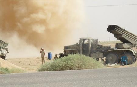 أول فيديو لاعتراض الصواريخ التي استهدفت مطارين عسكريين في سوريا