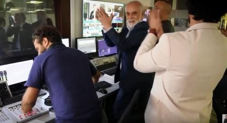 """بالفيديو…هذا ما حصل في استوديو برنامج """"بصراحة مع النسور""""لحظة اتصال الملك المفاجئ"""