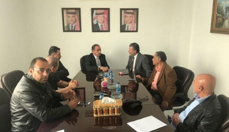 اللوزي يزور نقابة اصحاب مكاتب السيارات السياحية ويبحث سبل تطوير القطاع ودعمه