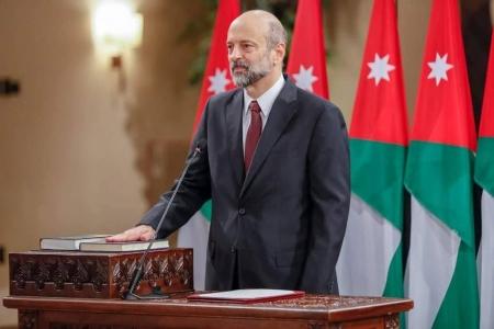 وزير في حكومة الرزاز : مراجعة تعويضات وتقاعدات الوزراء
