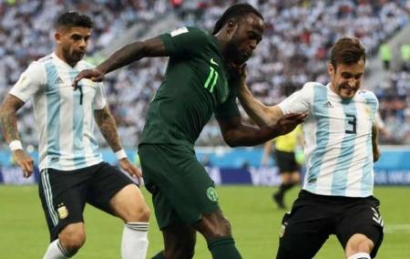 الأرجنتين إلى ثمن النهائي بفوز عسير على نيجيريا