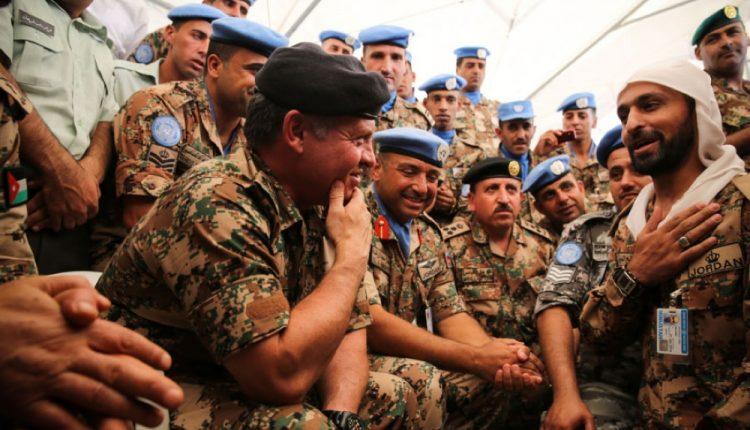 جلالة الملك : تحية لرفاق السلاح الذين لا تغفى عيونهم