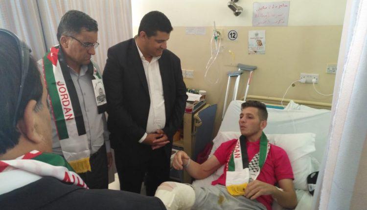 رئيس واعضاء مجلس بلدي مادبا الكبرى يزرون مصابي وجرحى غزه،