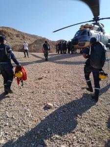 بالفيديو و الصور….الدفاع المدني ينقذ شخص اثر سقوطه عن مقطع صخري ..مادبا