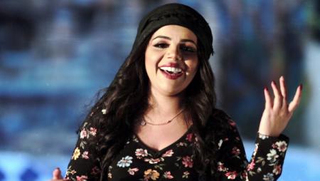"""فنانة أردنية تثير الجدل بـ """"الدحية"""""""