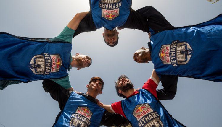 """فريق """"الشيخ"""" يتوج بلقب ريد بُل نيمار جونيورز فايف الأردن  عمان –"""