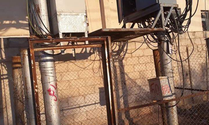 بالصور…محول كهرباء يهدد حياة المواطنين في المفرق