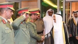 أمير الكويت يطلب من الحرس الوطني أخذ الحيطة والحذر بسبب المستجدات الخطيرة في المنطقة