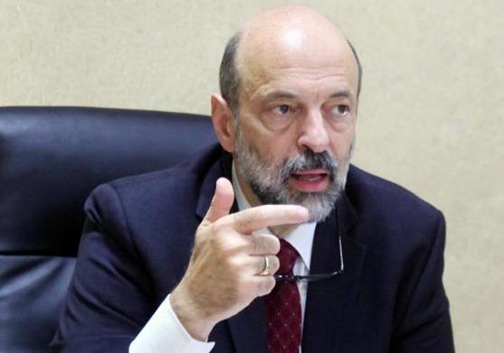 معلومات تؤكد : الرزاز غاضب ويبحث عن مسرب اخبار الرئاسة وقرارات مجلس الوزراء