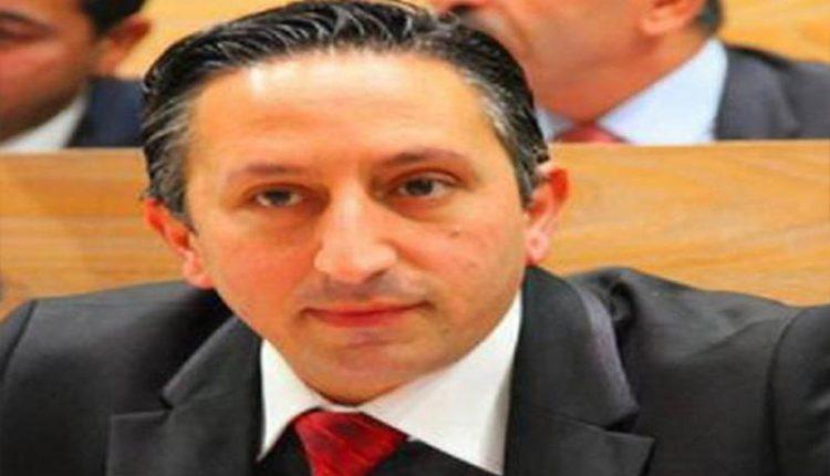 """أبو رمان يرد على رسالة """"نيتفلكس"""" للأردنيين و وصفهم بالمتنمرين ، و يتوعد بمقاضاتهم .."""