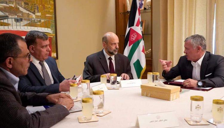 الملك يوجه الحكومة باتخاذ إجراء فوري لتخفيض أسعار الأدوية