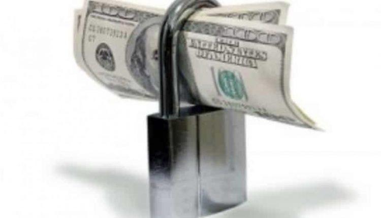 الحجز على الأموال المنقولة وغير المنقولة لرجل أعمال شهير
