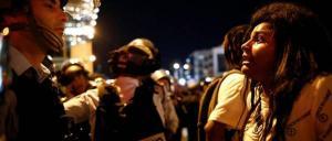 بالفيديو .. إصابة 111 شرطياً إسرائيلياً بأعنف احتجاجات لليهود الإثيوبيين اثر مقتل شاب على يد الشرطة