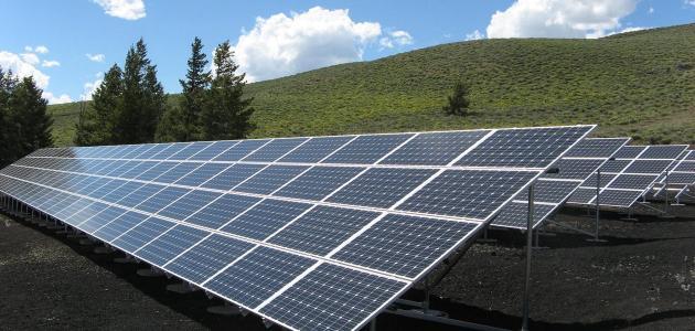 خبراء: الحكومة تشتري الطاقة المتجددة بأضعاف الكلف