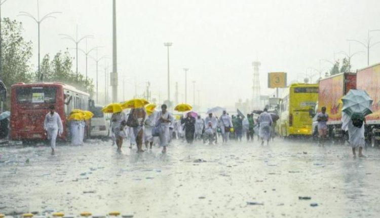 بالفيديو .. أمطار رعدية غزيرة على المشاعر المقدسة بمكة المكرمة