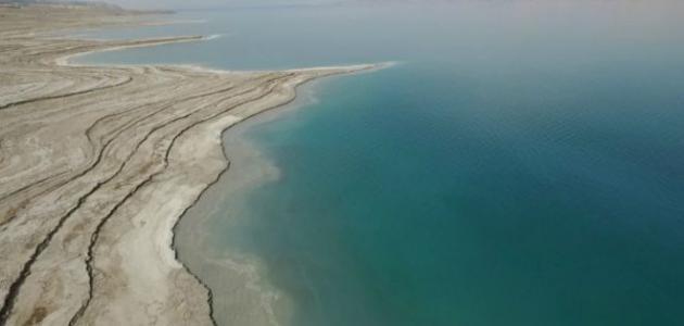 الدفاع المدني:  انقاذ شخصان من داخل مياه البحر الميت