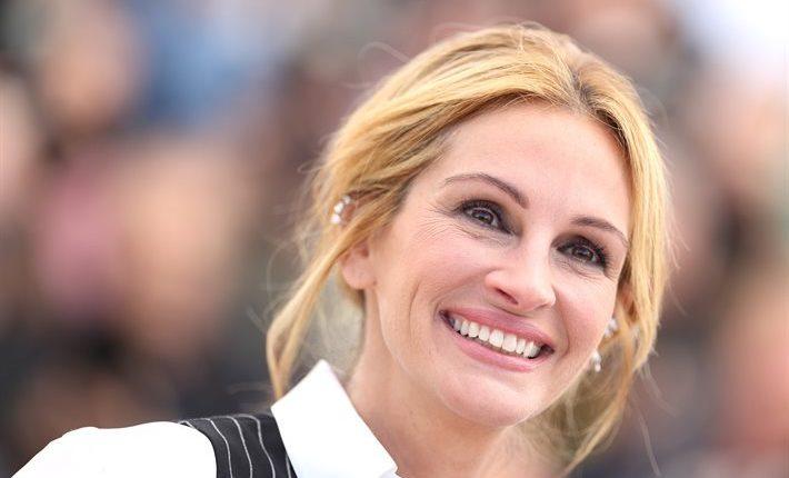 30 مليون دولار تأمين على ابتسامة جوليا روبرتس .