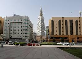 استثناء 10 قطاعات حيوية من حظر التجول في السعودية .. تفاصيل