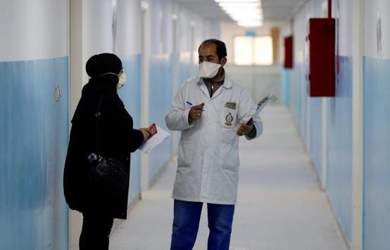 لجنة الأوبئة: المغادرين من فنادق الحجر الصحي عليهم البقاء في منازلهم 14 يوماً اضافياً