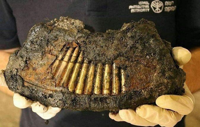 """العثور على أسلحة """"أردنية"""" و ذخائر قديمة تحت أساسات المسجد الأقصى"""