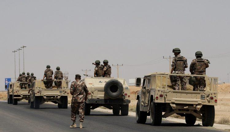 الجيش يُحبط تهريب مخدرات و70 كف حشيش بعد اشتباك مع مهربين قادمين من احدى دول الجوار