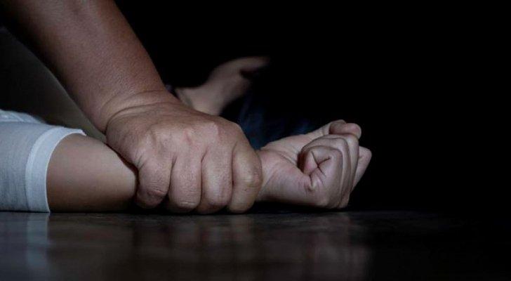 مصاب بكورونا يغتصب فتاة مصابة .. في الحجر الصحي