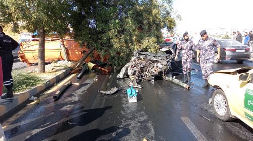 وفاة و 10 اصابات اثر حادث تصدم مروع بين صهريج وعدد من المركبات في عبدون