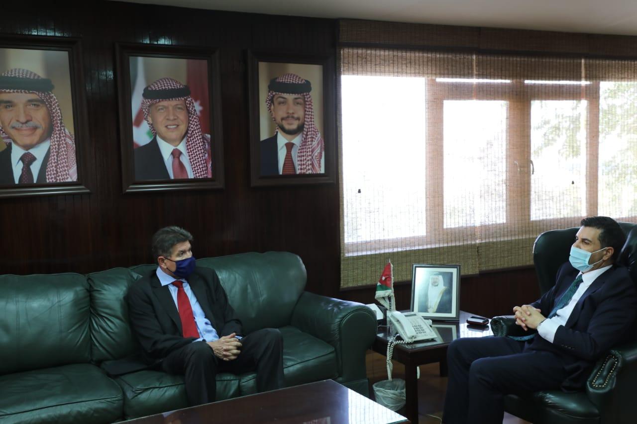 وزير المياه والري والسفير الالماني يبحثان استمرار التعاون في مجالات المياه