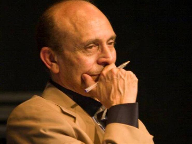 الفنان محمد صبحي يبكي بحرقة على وفاة هادي الجيار .