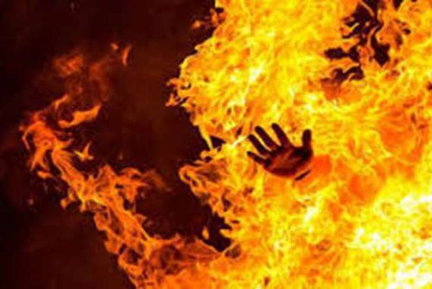 """الامن يثنى شابا عن الإنتحار بـ """"حرق نفسه  في لواء الرمثا"""