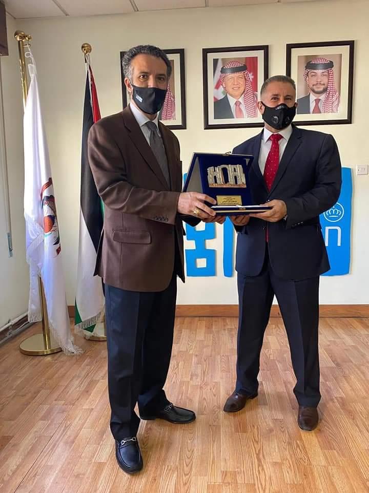 وزير السياحة يكرم  الدكتور علي العجارمة بمناسبة إنتهاء فترة خدمته في الوزارة