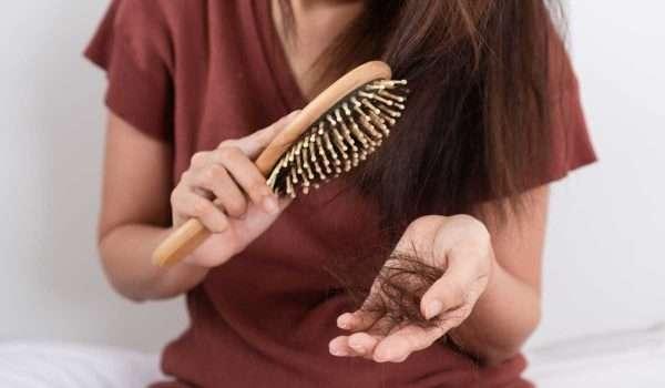 3 حلول عشبية لتساقط الشعر مدعومة بالأدلة!