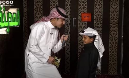 فيديو : للمرة الثالثة طفل الـ 7 سنوات في تلاوة استثنائية متكاملة للقرآن