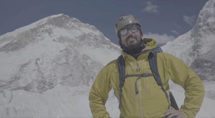 الرحال الجنيدي: عاصفة ثلجية أجبرتني على تغيير خطة تسلق قمة جبل إيفرست