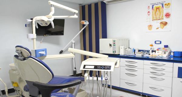 وزارة الصحة تُلزم مراجعي عيادات طب الأسنان بفحص كورونا