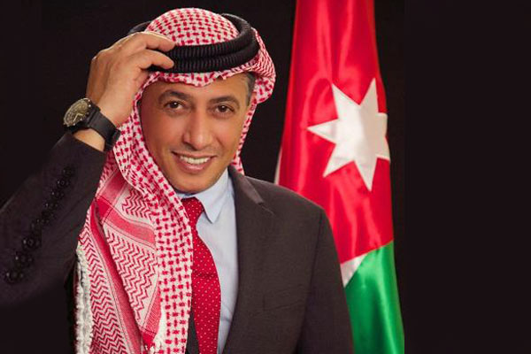 الامارات تمنح الفنان الأردني عمر العبداللات الاقامة الذهبية