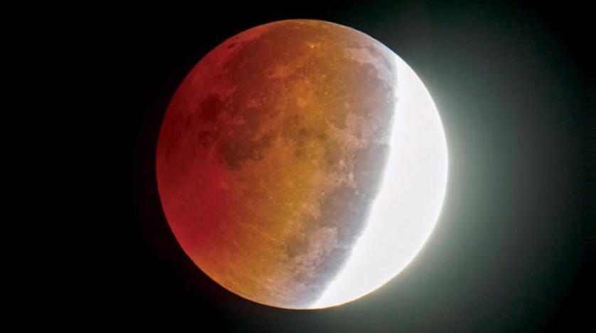 الأرض ستشهد خسوفا كليا للقمر الأربعاء المقبل