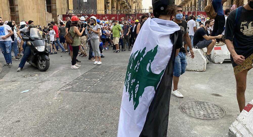لبنان بلا حليب ولا دواء  في الصيدليات