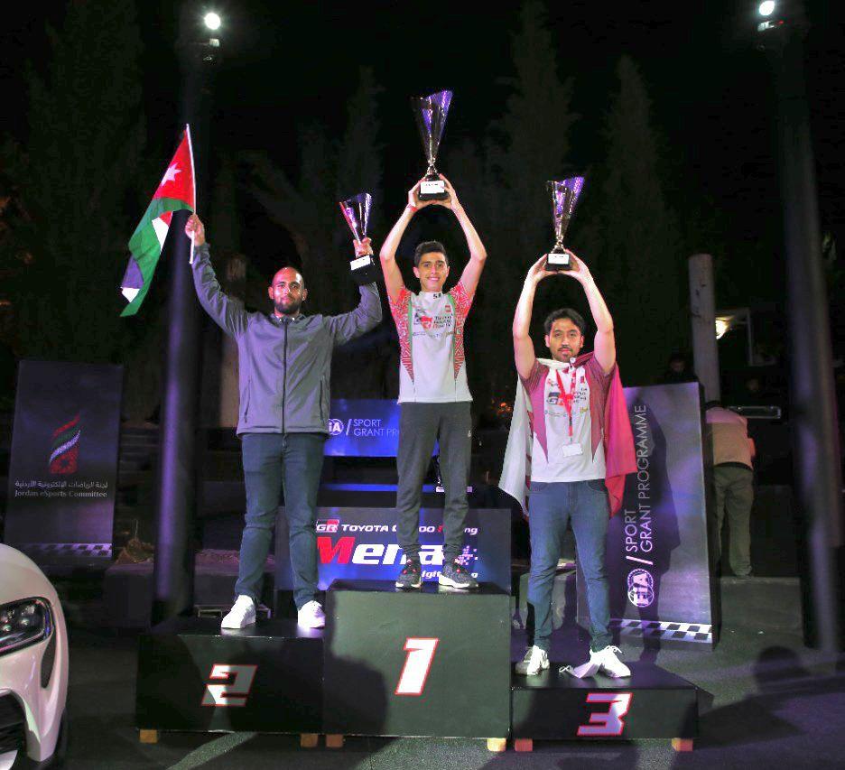 """سامي جو أبي نخلة بطل """"كأس تويوتا جازو للسباقات الرقمية في الشرق الأوسط وشمال أفريقيا"""" في دورته الأولى"""
