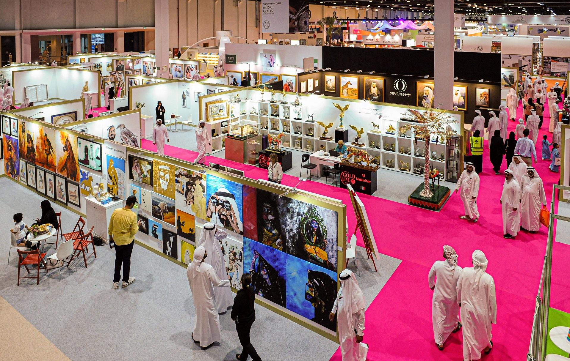 125 فنّاناً إماراتياً وعربياً وعالمياً يعرضون إبداعاتهم فيمعرض أبوظبي الدولي للصيد